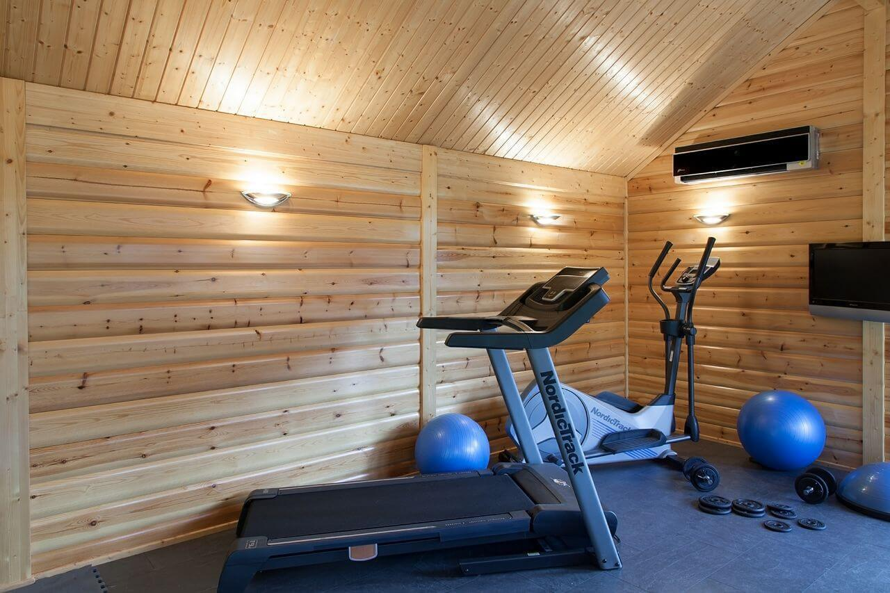 Garden gyms home gym buildings norwegian log for Garden gym room uk