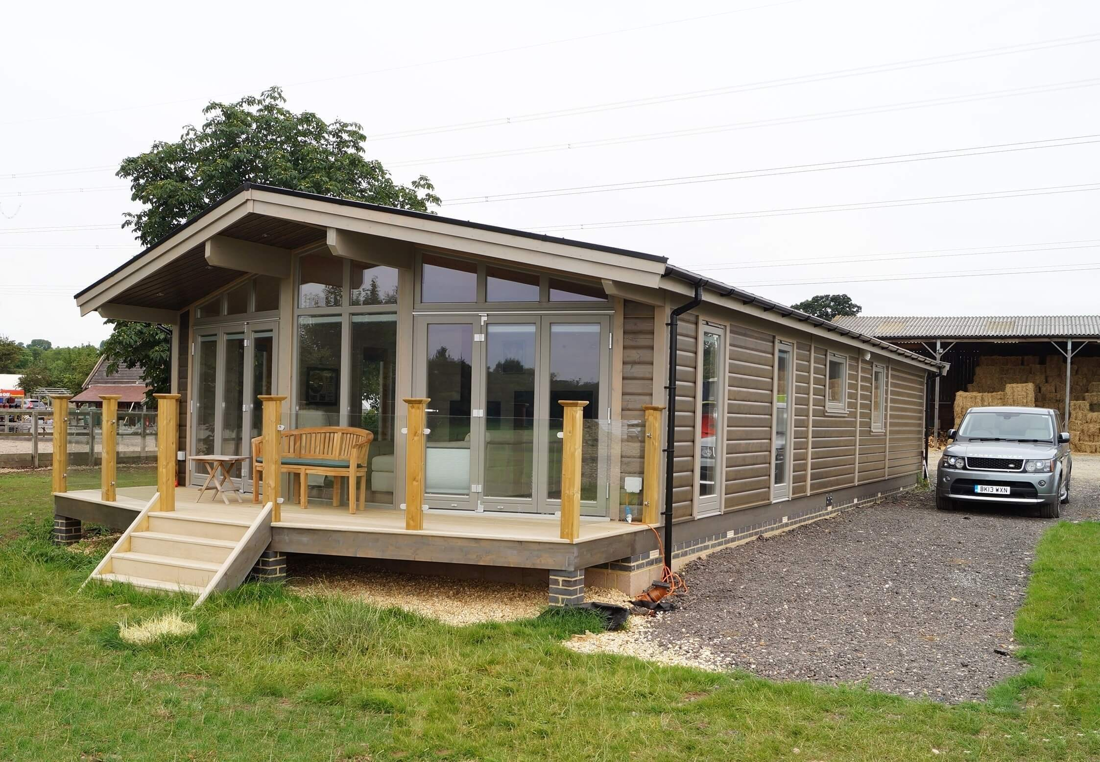 how to build a log cabin uk