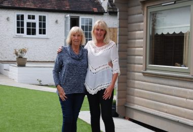 Susan-Price-and-daughter-Tracey-Norwegian-Log-granny-annex