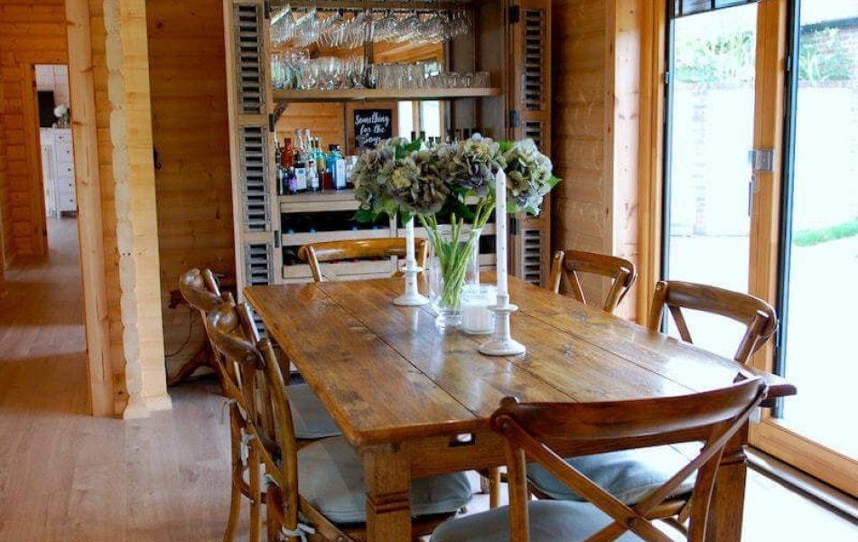 Traditional Log Cabin Interior 6