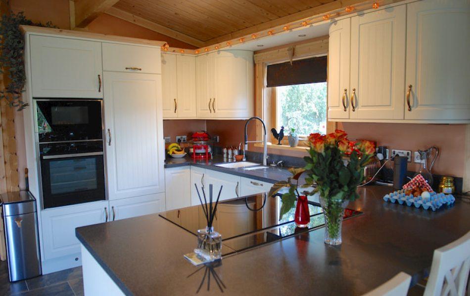 Traditional Log Cabin Interior 7