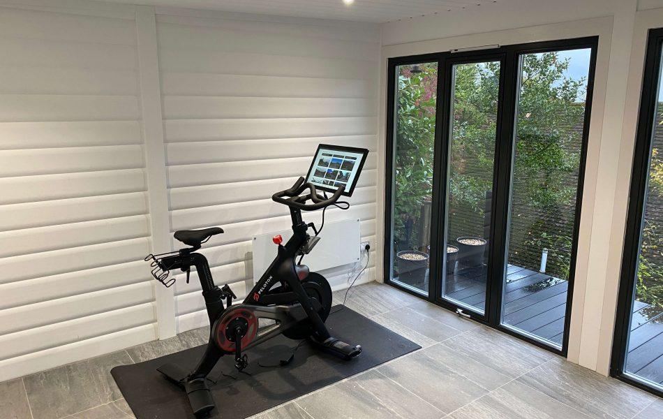 Garden gym interior2